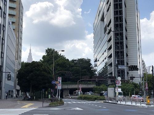 玉川上水 西新宿.jpg